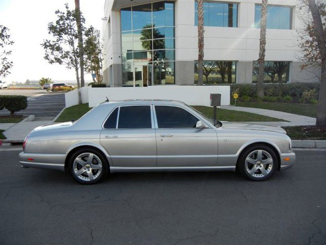 2004 BENTLEY ARNAGE 4 DOOR SEDAN - Front 3/4 - 182760