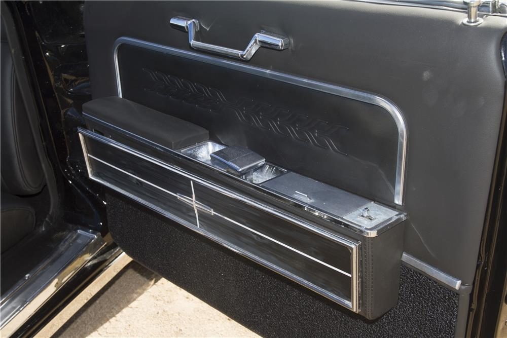 1966 LINCOLN CONTINENTAL 4 DOOR CONVERTIBLE - Engine - 182769