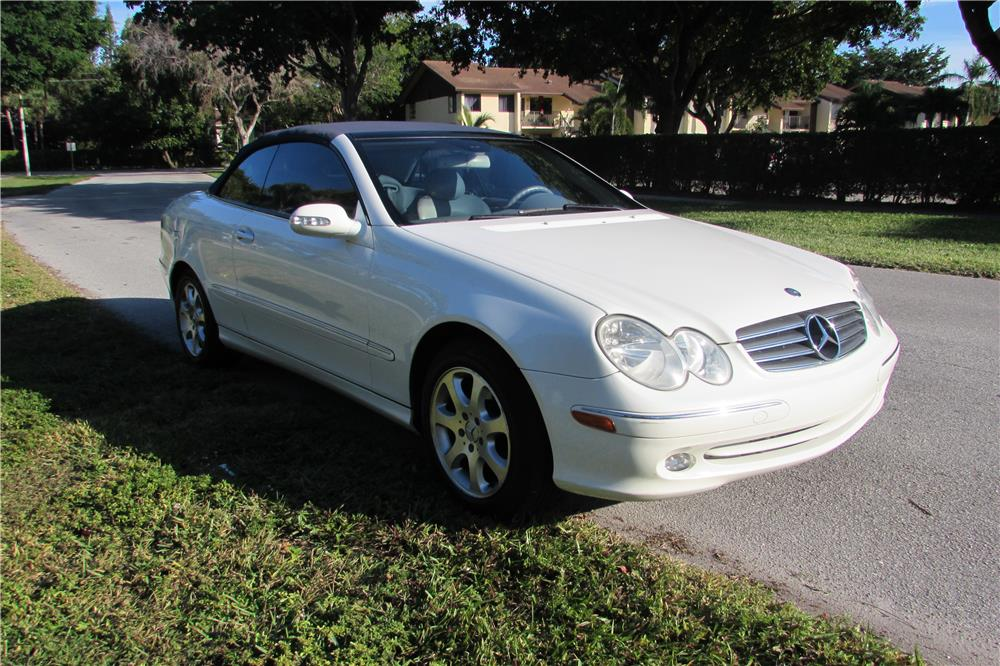 2004 MERCEDES-BENZ CLK 320 CONVERTIBLE - Front 3/4 - 182770