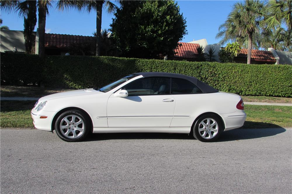 2004 MERCEDES-BENZ CLK 320 CONVERTIBLE - Side Profile - 182770