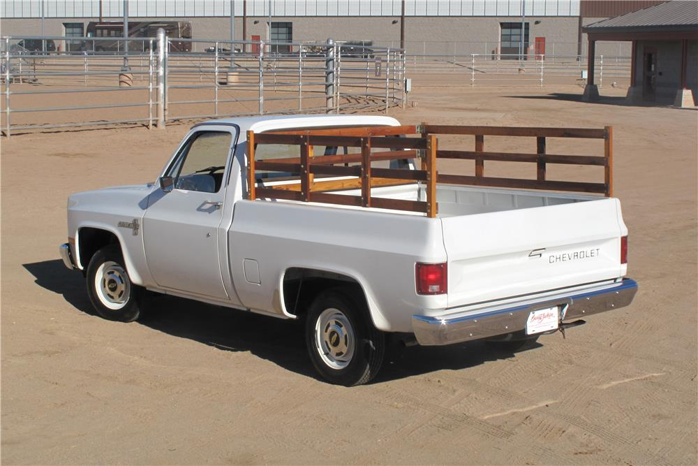 1982 CHEVROLET C-10 PICKUP - Rear 3/4 - 183441