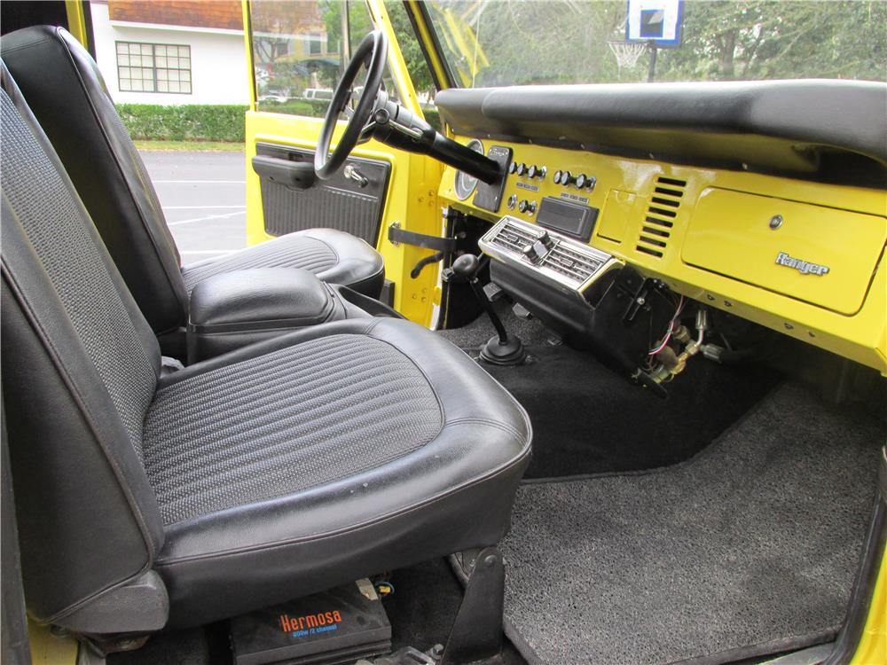 1973 FORD BRONCO PICKUP - Interior - 183799