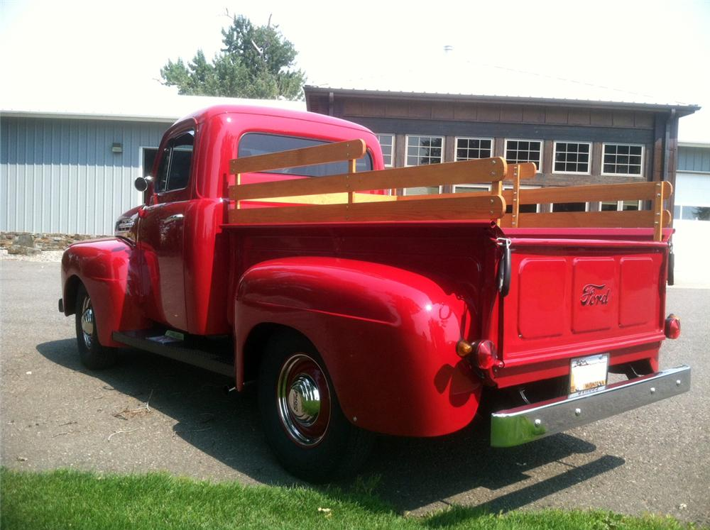 1952 FORD F-1 CUSTOM TRUCK - Rear 3/4 - 183867