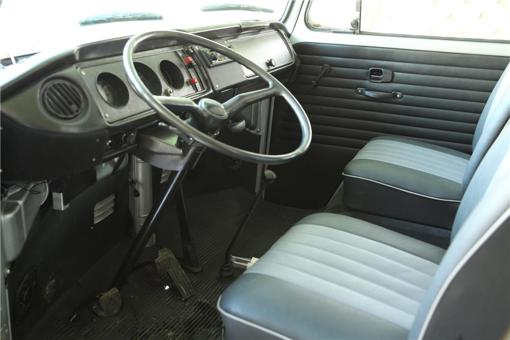 1972 VOLKSWAGEN WESTFALIA POP-UP CAMPER - Interior - 183899