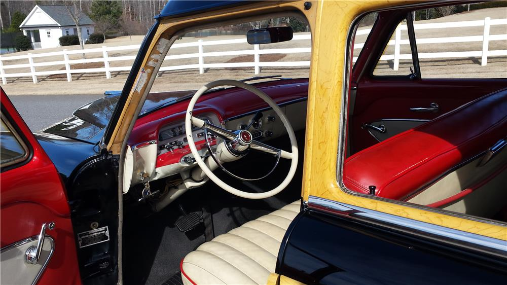 1954 MERCURY MONTEREY WOODY WAGON - Interior - 183908