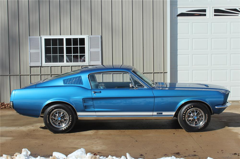 1967 FORD MUSTANG FASTBACK - Side Profile - 183947