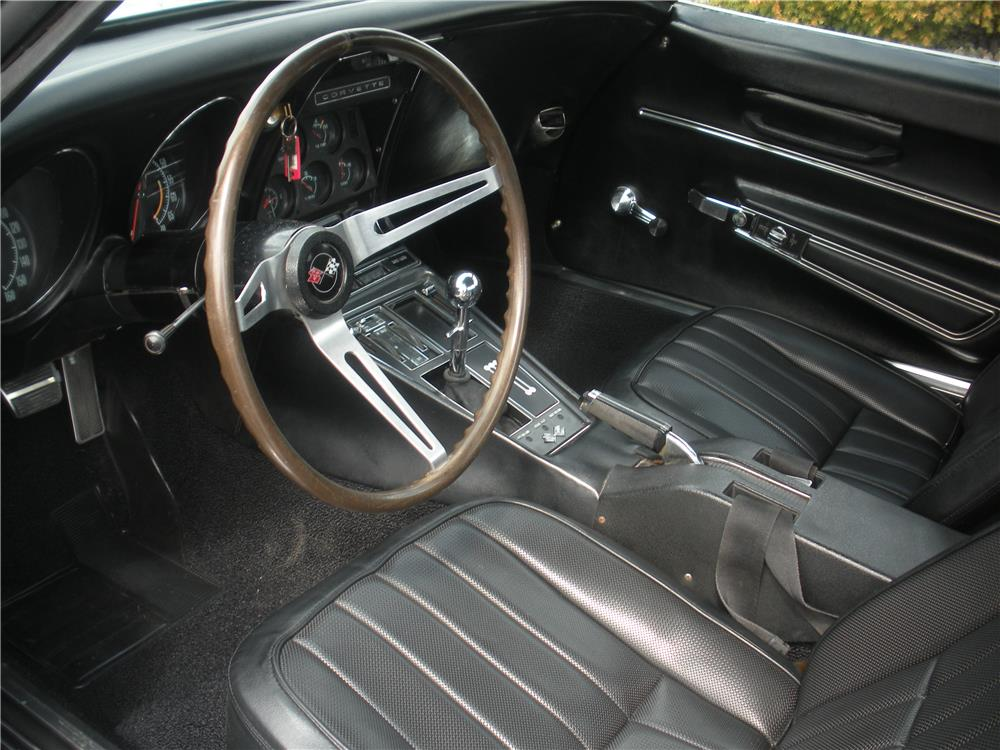 1968 CHEVROLET CORVETTE - Interior - 183967