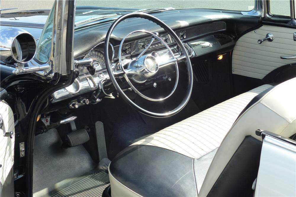 1955 PONTIAC STAR CHIEF CONVERTIBLE - Interior - 183997