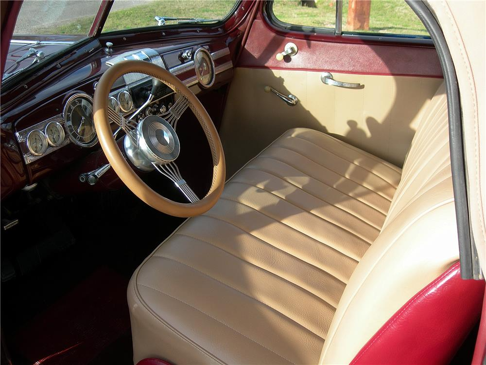 1939 PACKARD CUSTOM CONVERTIBLE - Interior - 184027