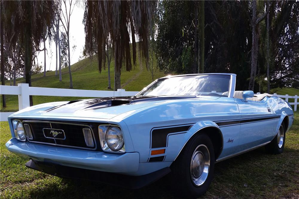 1973 FORD MUSTANG CONVERTIBLE - Front 3/4 - 184056