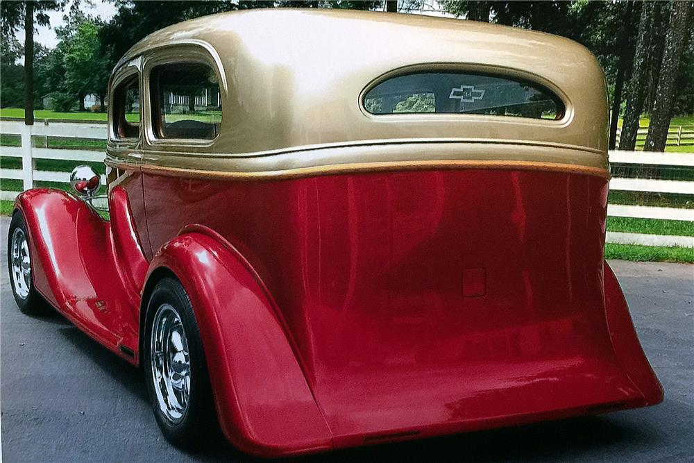1934 CHEVROLET CUSTOM TUDOR - Rear 3/4 - 184067