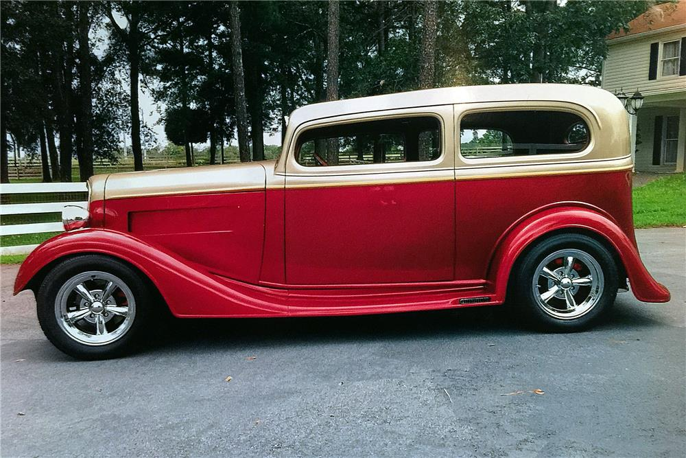 1934 CHEVROLET CUSTOM TUDOR - Side Profile - 184067