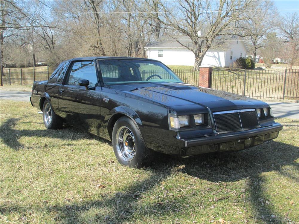 1986 BUICK REGAL GRAND NATIONAL T-TOP COUPE - Front 3/4 - 184092