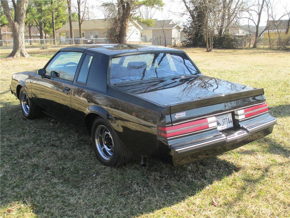1986 BUICK REGAL GRAND NATIONAL T-TOP COUPE - Rear 3/4 - 184092