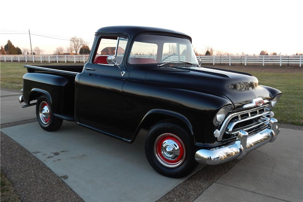 1957 CHEVROLET 3100 PICKUP - Front 3/4 - 184094