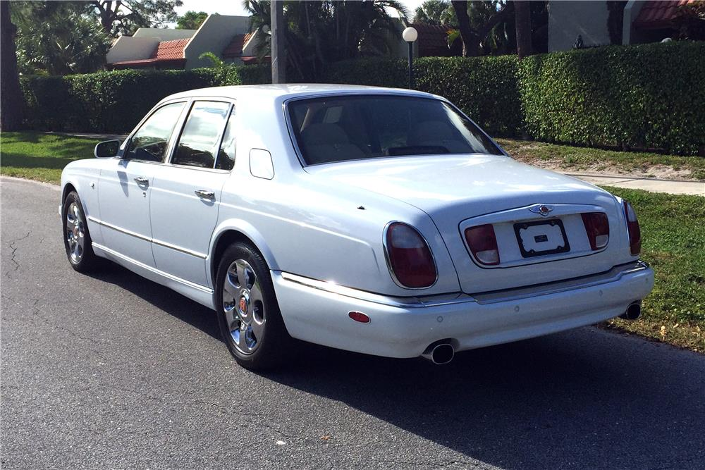 2000 BENTLEY ARNAGE RED LABEL TURBO - Rear 3/4 - 184098