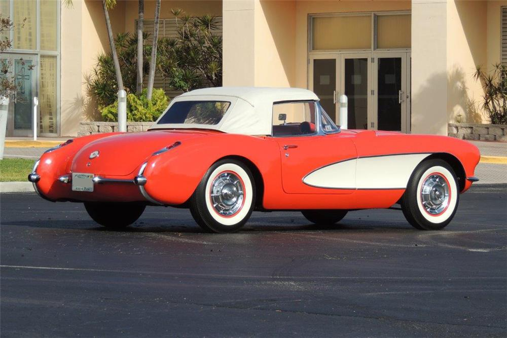 1957 CHEVROLET CORVETTE CONVERTIBLE - Rear 3/4 - 184145