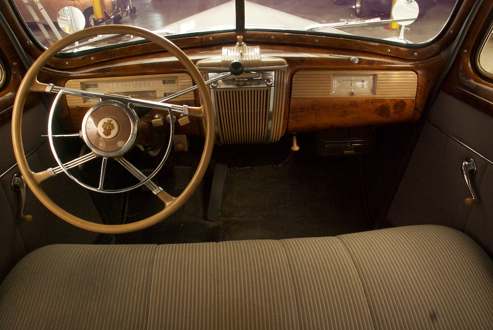 1941 PACKARD 120 - Interior - 184159