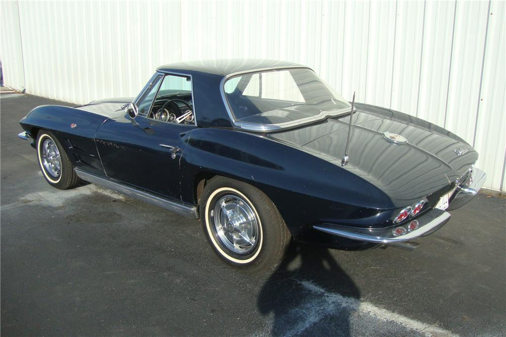 1963 CHEVROLET CORVETTE CONVERTIBLE - Rear 3/4 - 184242
