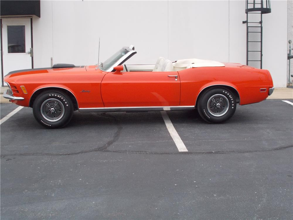 1970 FORD MUSTANG CONVERTIBLE - Front 3/4 - 184247