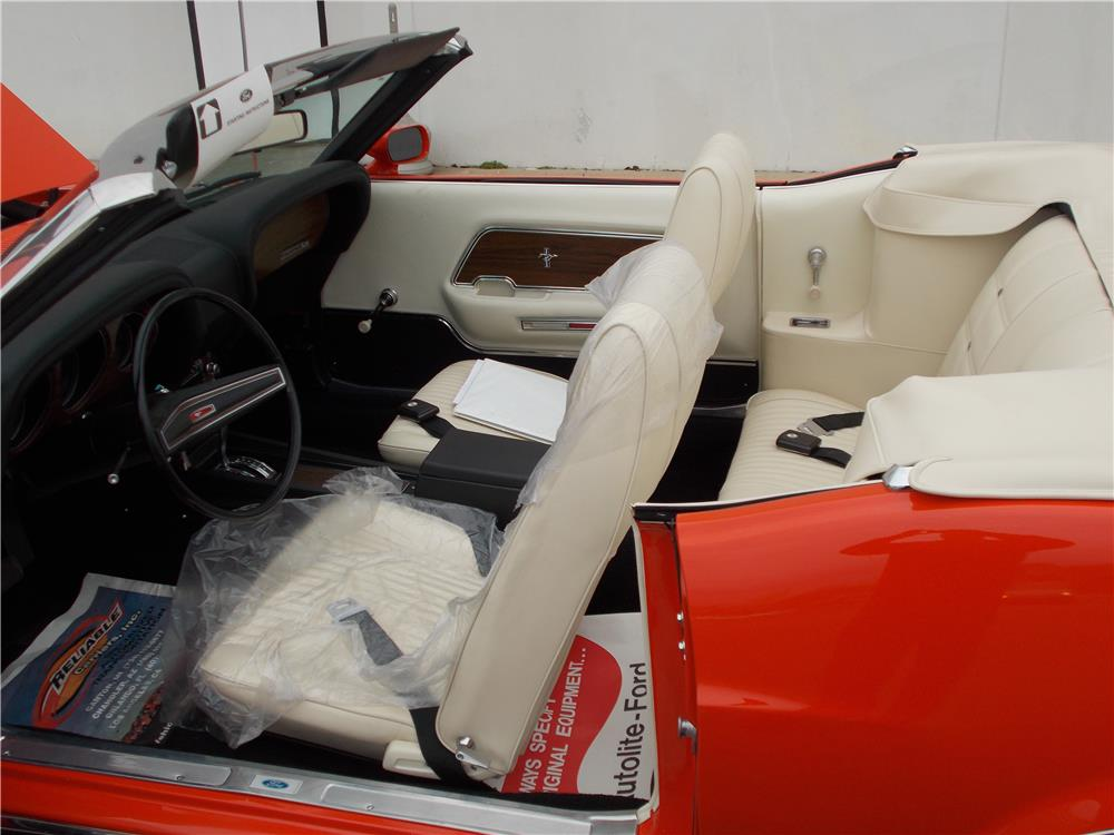 1970 FORD MUSTANG CONVERTIBLE - Interior - 184247