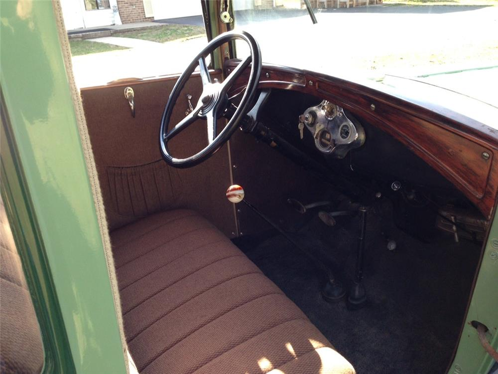 1931 FORD 5 WINDOW COUPE - Interior - 184341