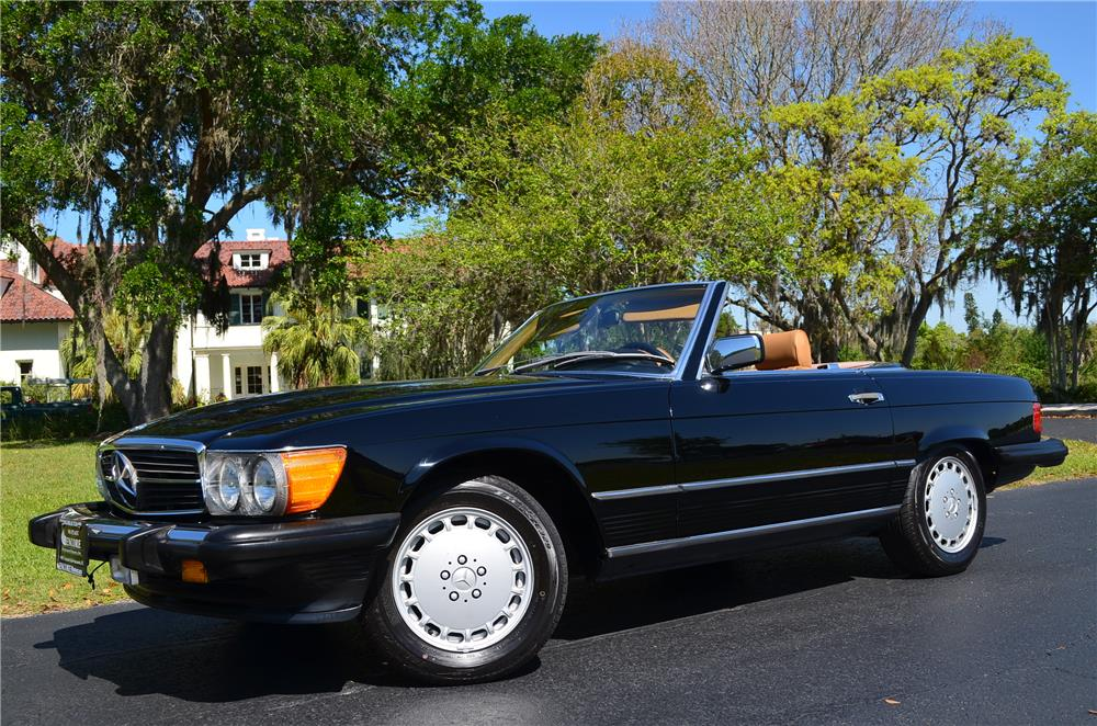 1987 MERCEDES-BENZ 560SL CONVERTIBLE - Front 3/4 - 184342