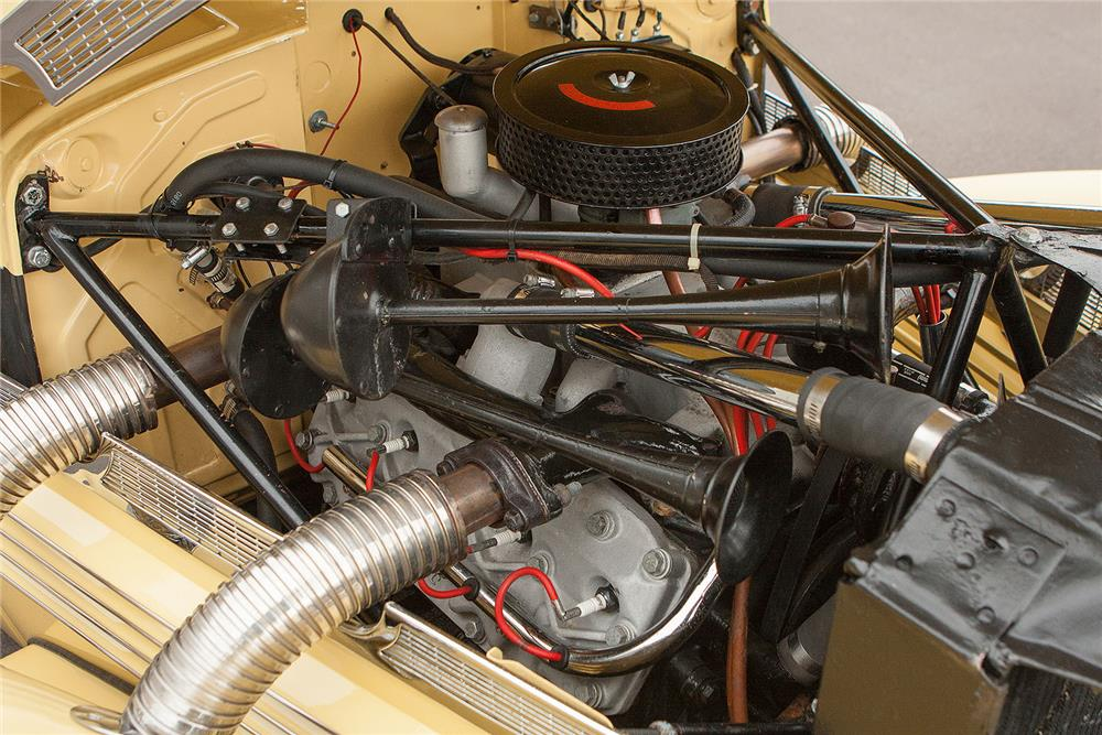 1937 CORD 812 PHAETON - Engine - 184348
