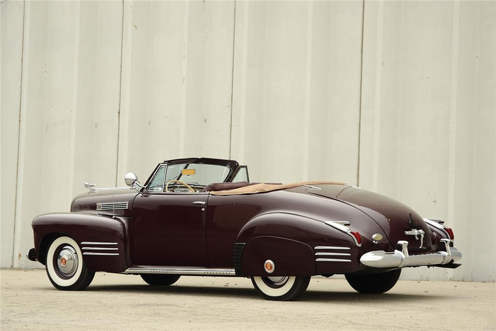1941 CADILLAC SERIES 62 CONVERTIBLE - Side Profile - 184351