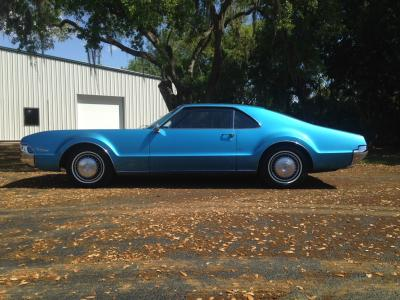 1967 OLDSMOBILE TORONADO - Side Profile - 184397
