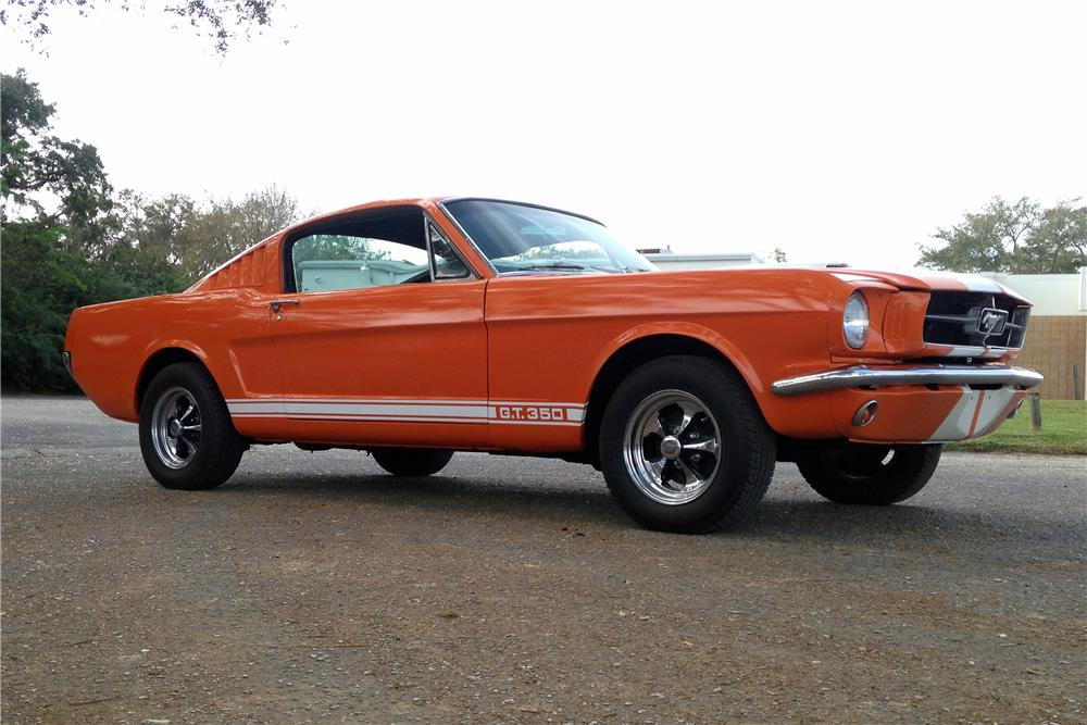 1965 FORD MUSTANG FASTBACK - Front 3/4 - 184405