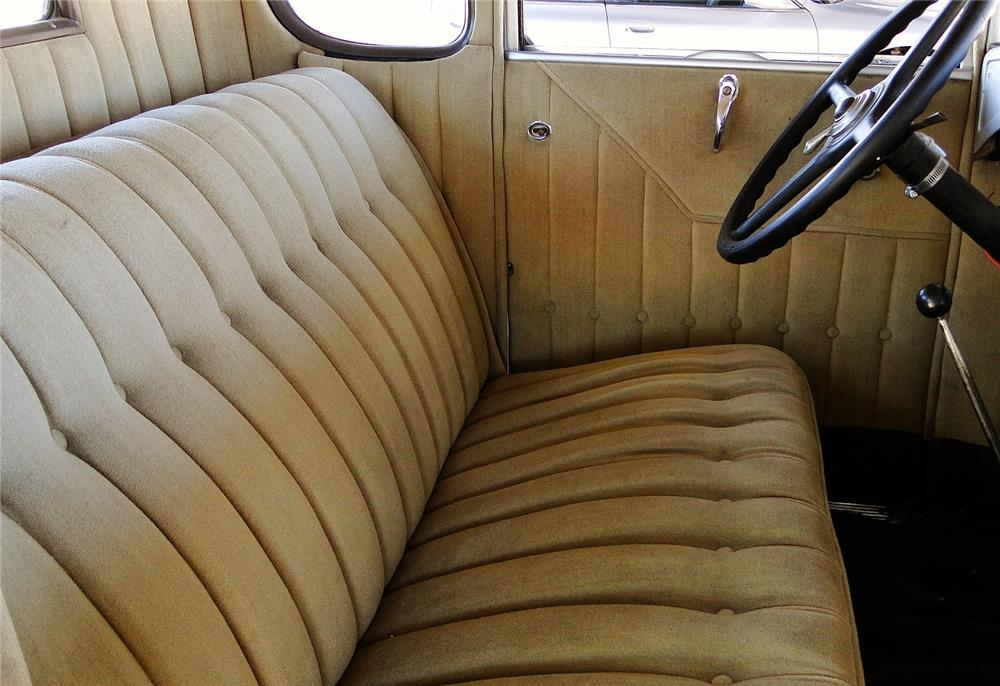 1930 FORD MODEL A RUMBLE SEAT COUPE - Interior - 184425