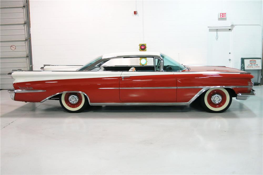 1959 OLDSMOBILE HOLIDAY 98 - Side Profile - 184432