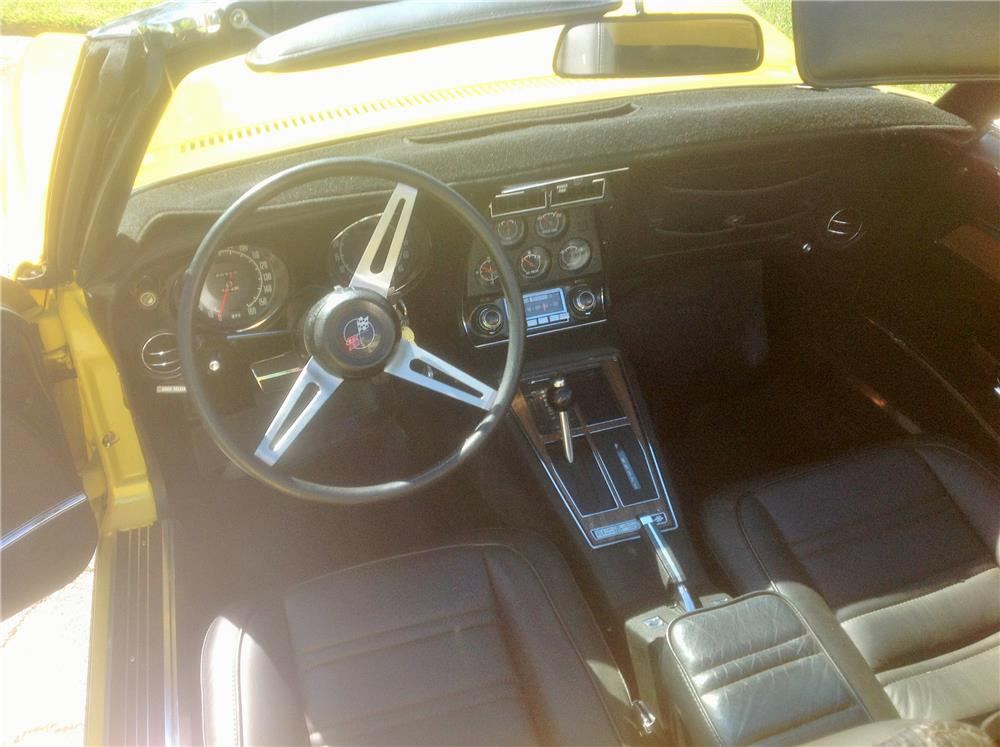 1972 CHEVROLET CORVETTE CONVERTIBLE - Interior - 184452