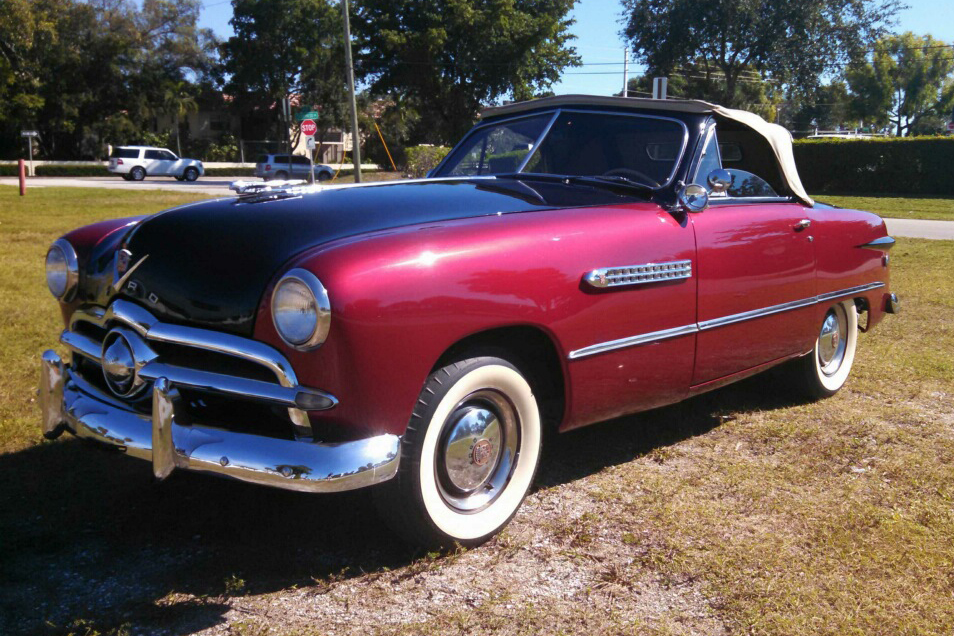 1949 FORD CUSTOM CONVERTIBLE - Front 3/4 - 184463