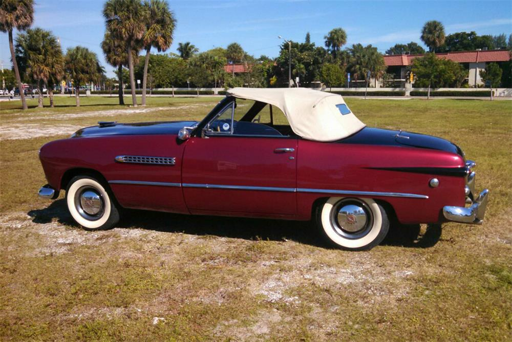 1949 FORD CUSTOM CONVERTIBLE - Side Profile - 184463