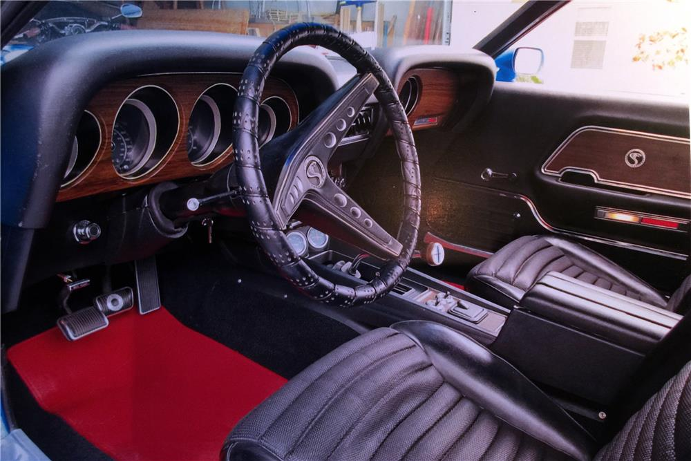 1969 SHELBY GT500 FASTBACK - Interior - 184518