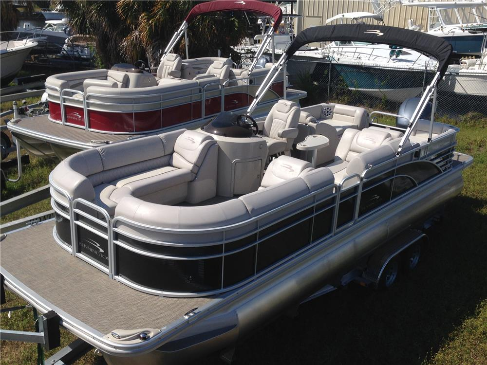2015 BENNINGTON 2375GCW BOAT - Rear 3/4 - 184546