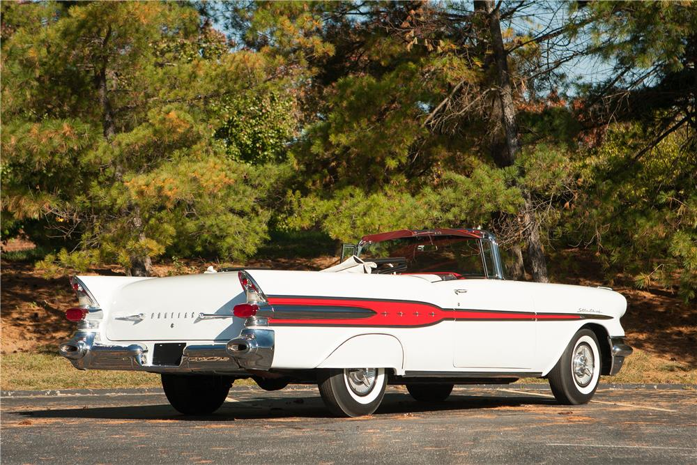 1957 PONTIAC STAR CHIEF CONVERTIBLE - Front 3/4 - 184707