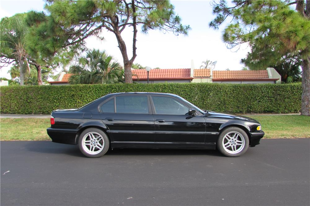 2001 BMW 740IL SEDAN - Side Profile - 184961