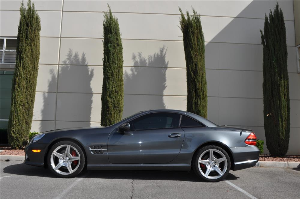2009 MERCEDES-BENZ SL550 CONVERTIBLE - Side Profile - 184966