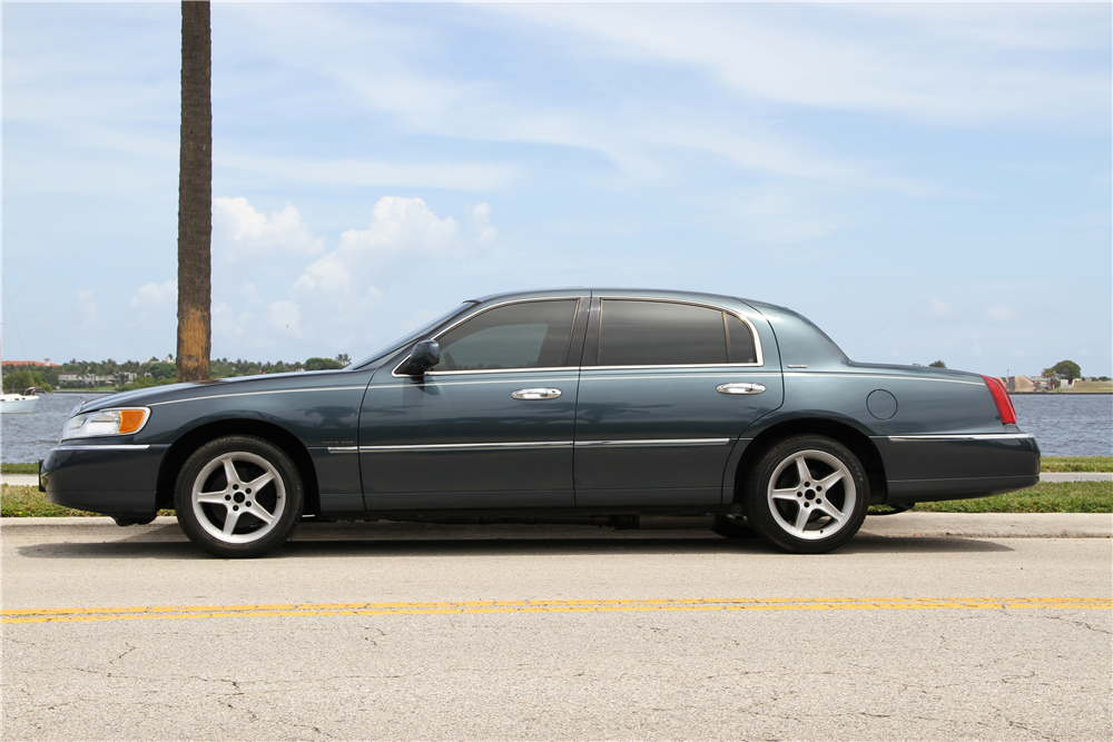 1998 lincoln town car 4v dohc supercharged forums at modded mustangs. Black Bedroom Furniture Sets. Home Design Ideas