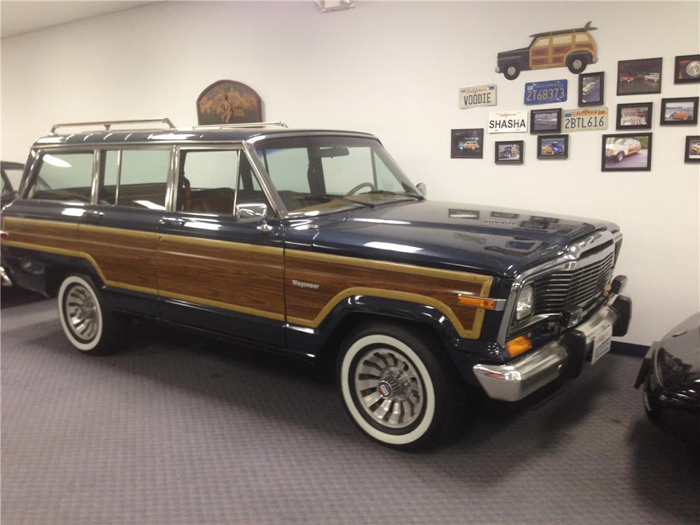 1984 JEEP GRAND WAGONEER SUV - Front 3/4 - 185037