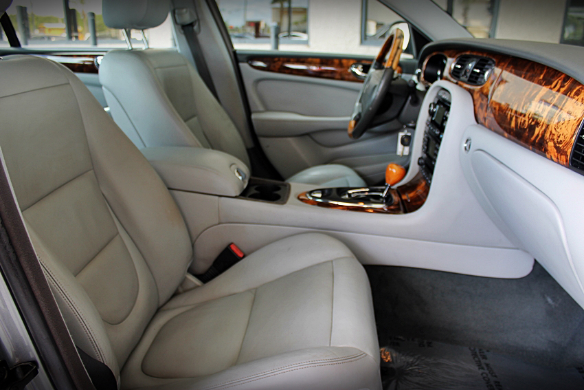 2005 JAGUAR XJ8 SEDAN - Interior - 185141