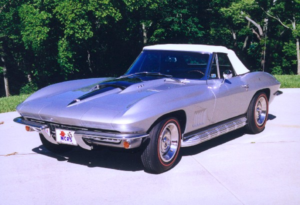 1967 CHEVROLET CORVETTE L89 ROADSTER - Front 3/4 - 18525