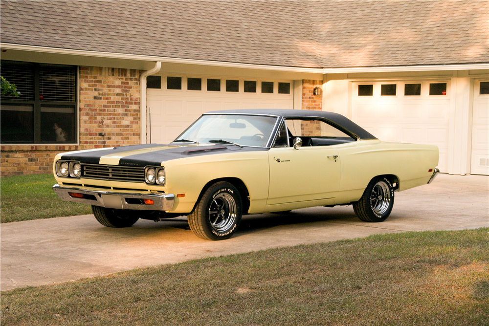 1969 PLYMOUTH ROAD RUNNER - Front 3/4 - 185492