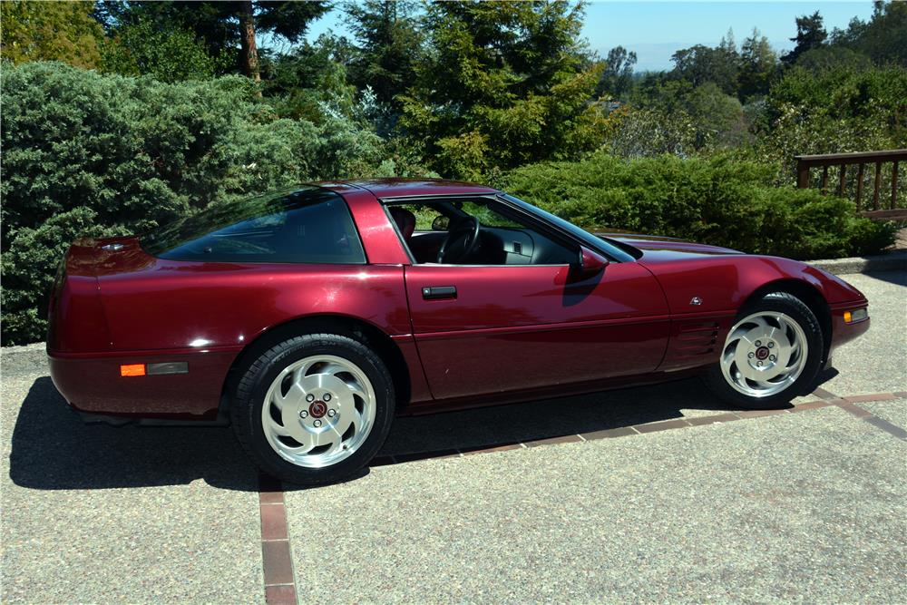 1993 CHEVROLET CORVETTE 40TH ANNIVERSARY COUPE - Side Profile - 185499