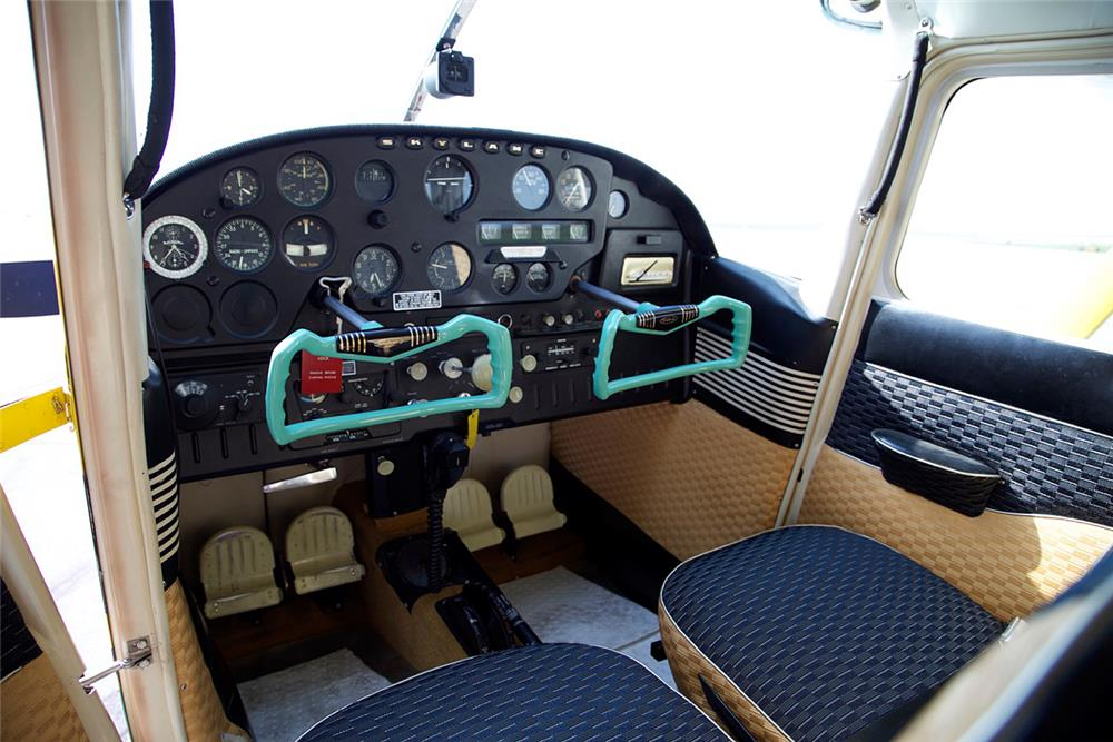 1958 CESSNA 182A FIXED-WING SINGLE-ENGINE PLANE - Interior - 185547