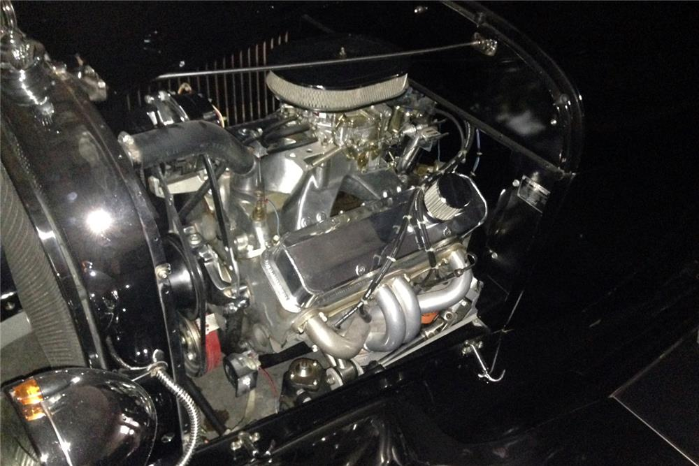 1929 FORD CUSTOM ROADSTER PICKUP - Engine - 185557