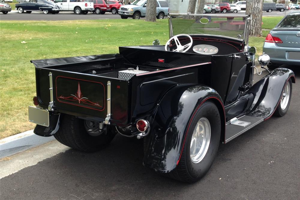 1929 FORD CUSTOM ROADSTER PICKUP - Rear 3/4 - 185557